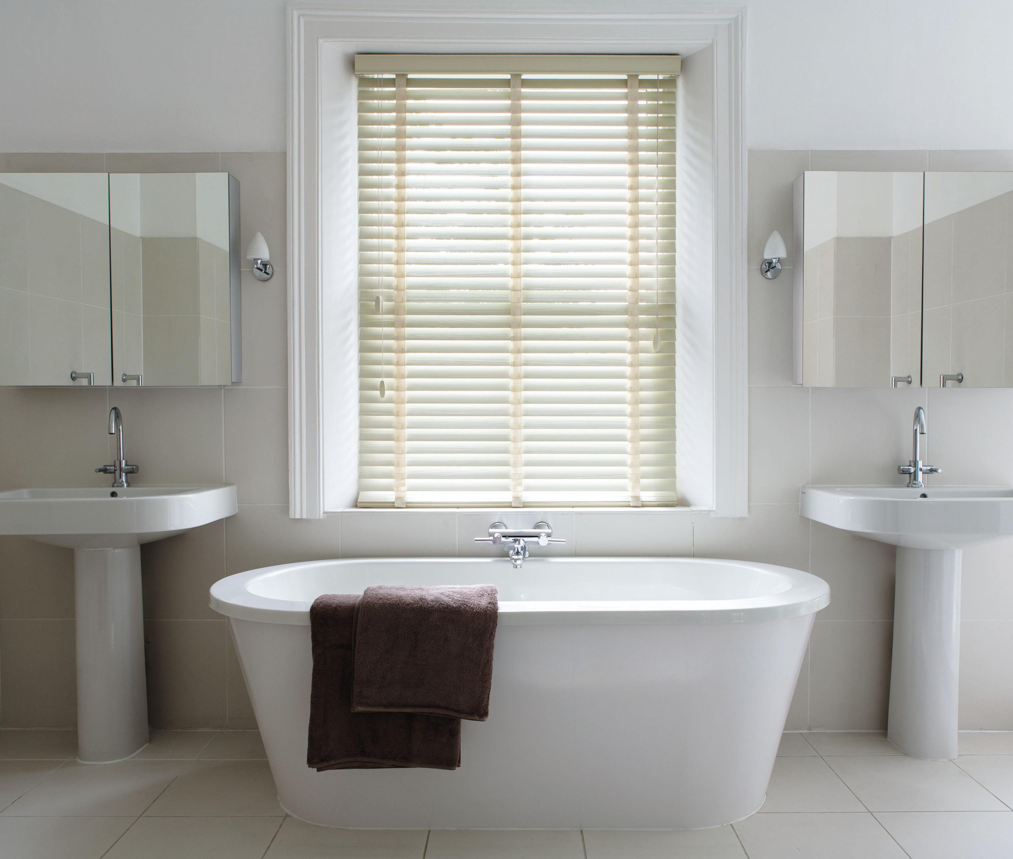 Window blinds bathroom -  Woodslat Venetian Blinds